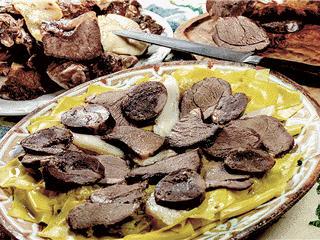 Казы (махан), шужук, жая, карта, безбармак, конская колбаса с доставкой